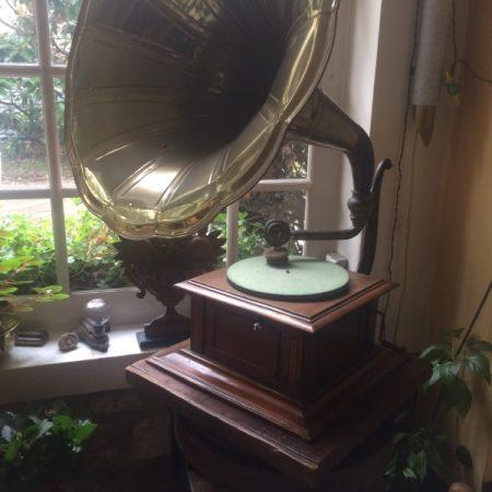 Image d'un phonographe datant de fin 19ème siècle